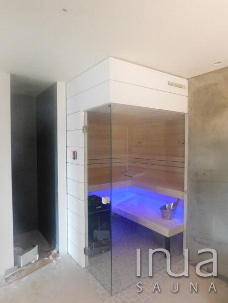 INUA_skræddersyet_finsk_sauna_med_Harvia_Virta_Gommeswald_Schweiz_2