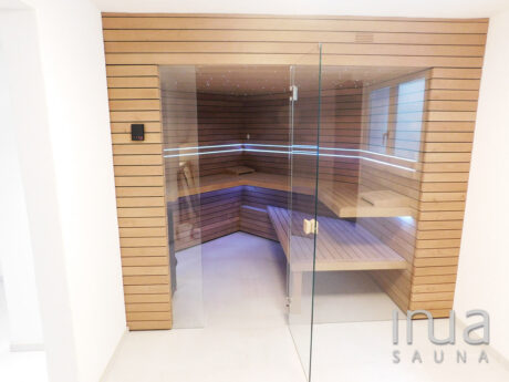 INUA_skræddersyet_finsk_sauna_med_stjernehimmel_Wettingen_Schweiz_1