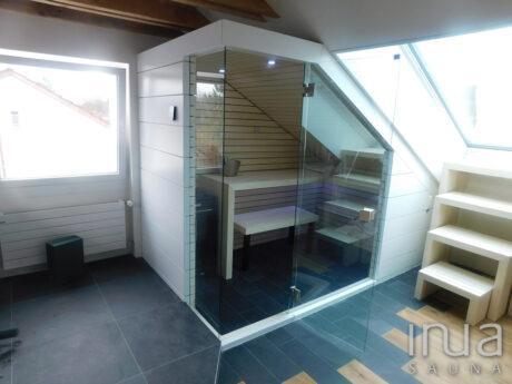 INUA_skræddersyet_hvid_finsk_sauna_Olten_Schweiz_1