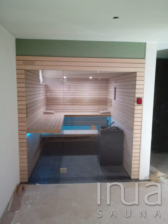 INUA_finsk_indendørs_sauna_Uetliburg_Schweiz_1