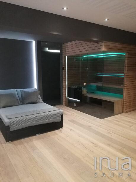 INUA_skraddersyet_finsk_sauna_med_RGB_lys_Munich_Tyskland_1