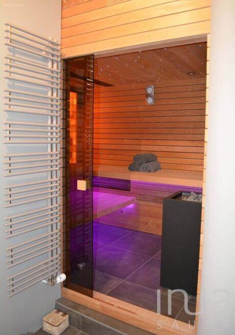 INUA_skræddersyet_indendørs_finsk_sauna_Solothurn_Schweiz_1