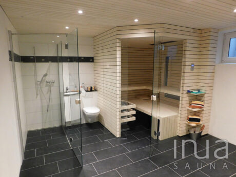 INUA_skræddersyet_indendørs_kombineret_kabine_infrarød_og_finsk_sauna_Affoltern_Schweiz_1